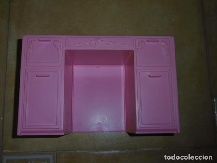 Barbie y Ken: Barbie tocador y mesita de noche - Foto 11 - 244749860
