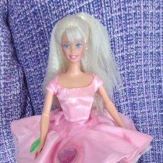 Barbie y Ken: BARBIE MAQUILLAJE SORPRESA. Lote 244916800