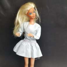 Barbie et Ken: MUÑECA BARBIE MAGIC MOVES SPAIN AÑOS 80. Lote 251271920