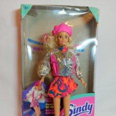 Barbie y Ken: MUÑECA SINDY DE HASBRO RITMO ROCK CON LUCES. Lote 253905325