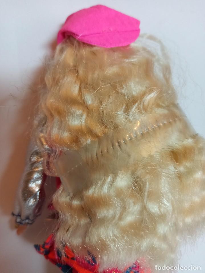 Barbie y Ken: Muñeca Sindy de Hasbro Ritmo Rock con luces - Foto 3 - 253905325