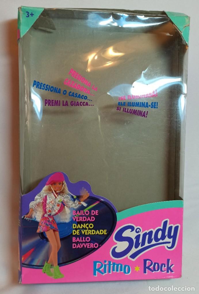 Barbie y Ken: Muñeca Sindy de Hasbro Ritmo Rock con luces - Foto 6 - 253905325