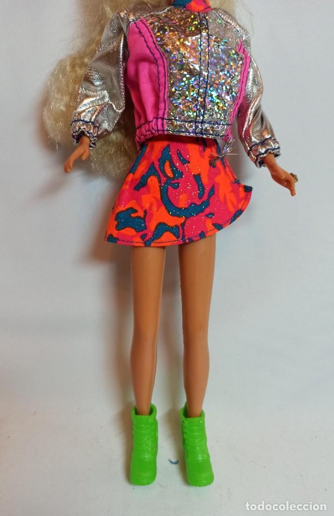 Barbie y Ken: Muñeca Sindy de Hasbro Ritmo Rock con luces - Foto 8 - 253905325