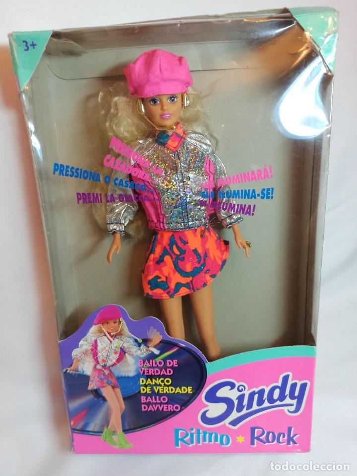 Barbie y Ken: Muñeca Sindy de Hasbro Ritmo Rock con luces - Foto 9 - 253905325