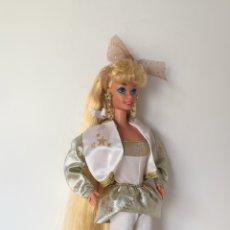 Barbie e Ken: BARBIE HOLLYWOOD HAIR 1992 AÑOS 90 CON ROPA Y BOTAS DORADAS. Lote 254304095