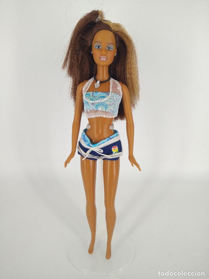 Barbie y Ken: Barbie Cali Girl Teresa / California Girl con collar y ropa original - Mattel, 2003 - Foto 2 - 256079000