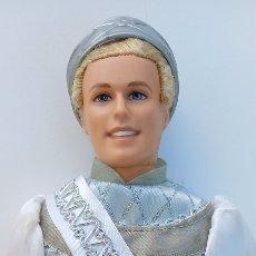 Barbie y Ken: MUÑECO PRINCIPE KEN EN EL LAGO DE LOS CISNES VESTIDO TODO ORIGINAL. Lote 260561725