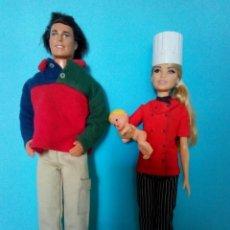 Barbie y Ken: LOTE FAMILIA BARBIE KEN Y BEBE. Lote 265220404
