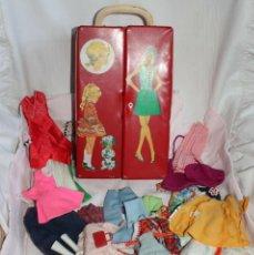 Barbie y Ken: MUY ANTIGUO ARMARIO DE BARBIE Y ROPA - OLD DOLLS, POUPÉE. Lote 270619478