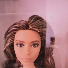 Barbie y Ken: BARBIE COLLECTOR THE LOOK 2021 MORENA. Lote 276291268