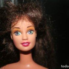 Barbie e Ken: ANTIGUA MUÑECA BARBIE MATTEL 1990 PELO LARGO MORENA. Lote 276997498