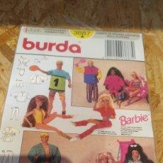 Barbie y Ken: SUPLEMENTO REVISTA BURDA BARBIE PATRONES VESTIDOS Y ROPA. Lote 278604173