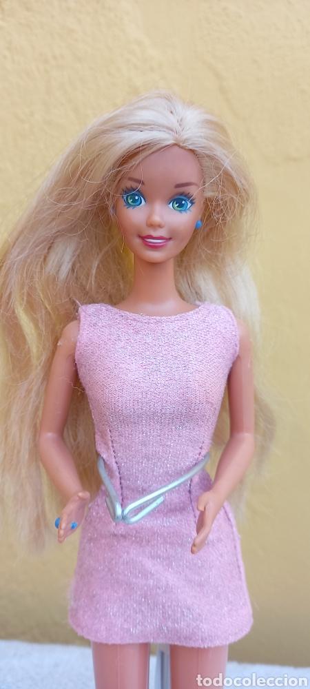 Barbie y Ken: MUÑECA BARBIE MATTEL 1976 CABELLO RAYA AL LADO - Foto 3 - 284152648