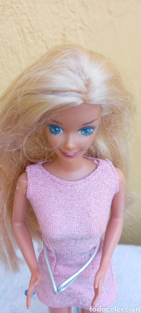 Barbie y Ken: MUÑECA BARBIE MATTEL 1976 CABELLO RAYA AL LADO - Foto 4 - 284152648