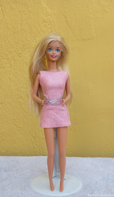 MUÑECA BARBIE MATTEL 1976 CABELLO RAYA AL LADO (Juguetes - Muñeca Extranjera Moderna - Barbie y Ken)