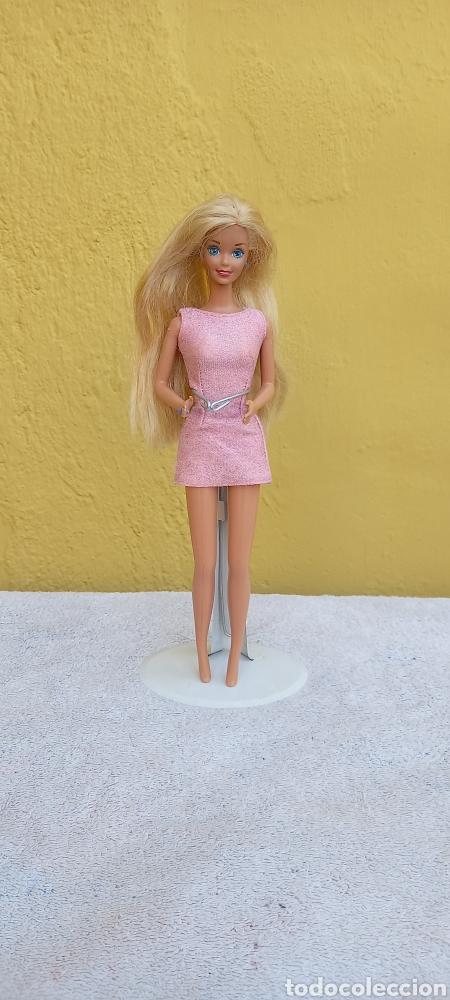 Barbie y Ken: MUÑECA BARBIE MATTEL 1976 CABELLO RAYA AL LADO - Foto 2 - 284152648