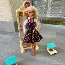 Barbie y Ken: BARBIE PROFESORA. Lote 288137428