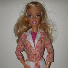 Barbie y Ken: MUÑECA BARBIE ARTICULADA VESTIDA ORIGEN MATTEL. Lote 289489818