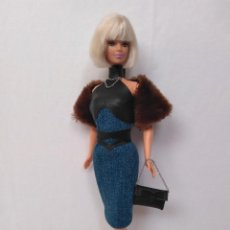 Barbie y Ken: ESPECTACULAR BARBIE CON OUTFIT. Lote 289515323