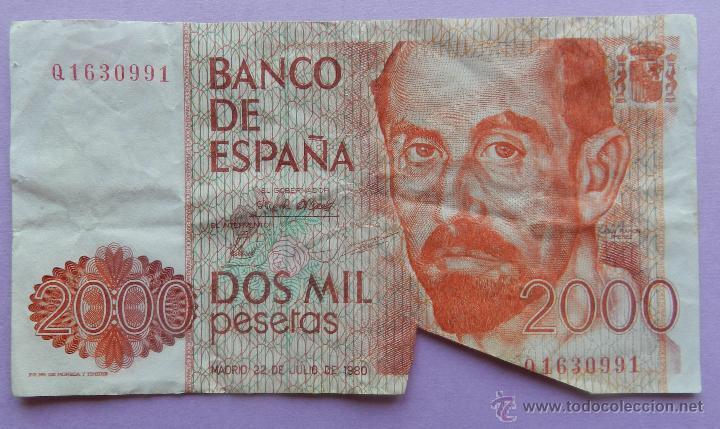 Billetes con errores: BILLETE 2000 PESETAS DEFECTO CORTE - DOS MIL PTAS 22 JULIO 1980 - JUAN RAMON JIMENEZ ERROR - Foto 3 - 44368436