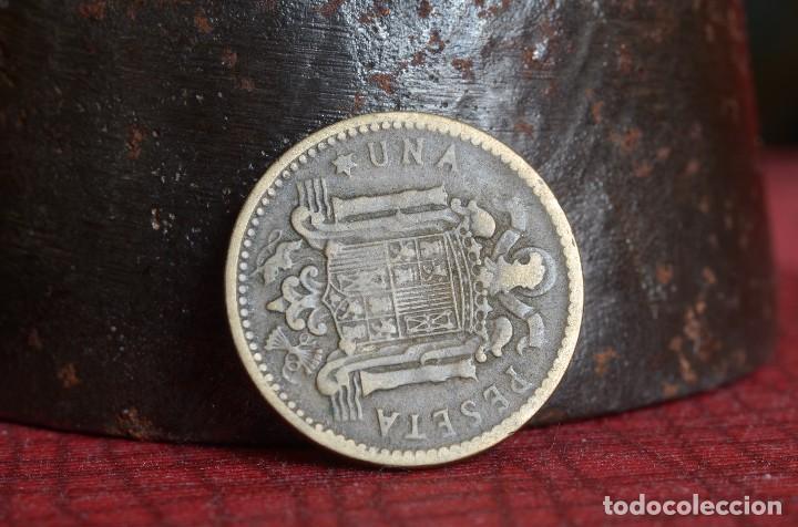 Billetes con errores: MONEDA DE UNA PESETA DE FRANCO 1953 SIN LA ESTRELLA DERECHA (REF. 52) - Foto 2 - 79913701