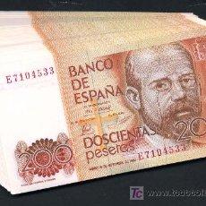 Billetes españoles: PAREJA BILLETES 200 PESETAS 1980 CORRELATIVOS SIN CIRCULAR , SERIE E. Lote 26842140