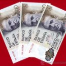 Billetes españoles: LOTE 3 BILLETES TRIO 5000 PESETAS 1979 CORRELATIVOS , EBC , OJO SERIE ESPECIAL 9D , T725. Lote 29438294