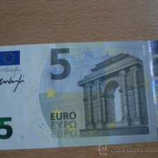 Billetes españoles: BILLETE 5 EUROS FIRMADO EN MANO POR MARIO DRAGHI SERIE VA SIN CIRCULAR ESPAÑA VER FOTOGRAFIAS. Lote 39075269