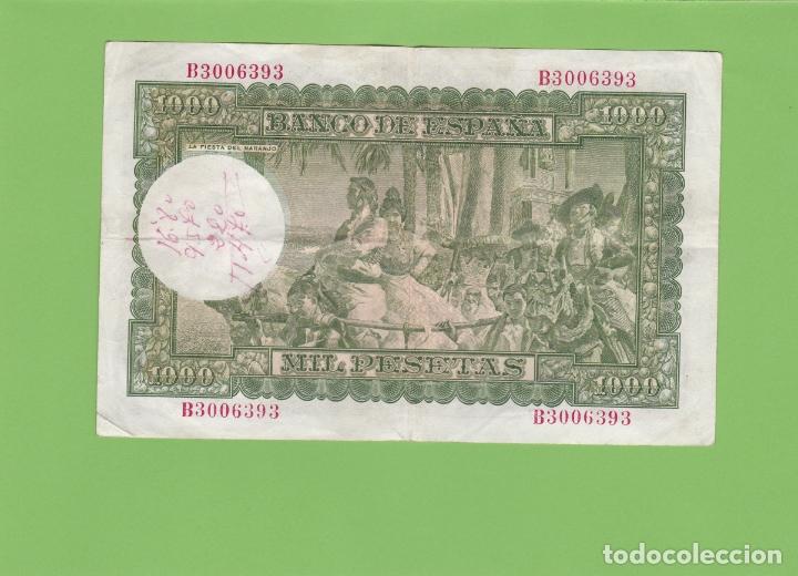Billetes españoles: BILLETE 1000 PESETAS BANCO DE ESPAÑA. JOAQUIN SOROLLA. 1951, LA FIESTA DEL NARANJO. EL QUIJOTE. - Foto 2 - 166633858