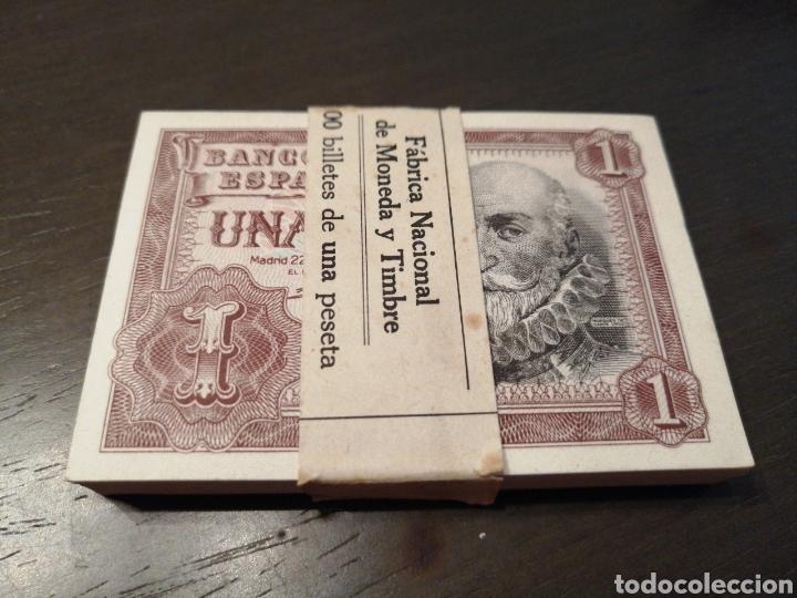 CIEN BILLETES DE UNA PESETA EN TACO. NUEVOS Y CORRELATIVOS 1953 SÈRIE (Numismática - Notafilia - Billetes Españoles)