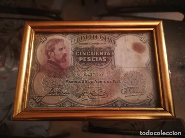 BILLETE 50 PTS ABRIL 1931. ENMARCADO CON DOBLE CRISTAL (Numismática - Notafilia - Billetes Españoles)