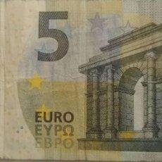 Billetes españoles: 5 EUROS DE LA TERCERA FIRMA DE DRAGHI, LETRA VB DE ESPAÑA PLANCHA V010A1. Lote 190057365