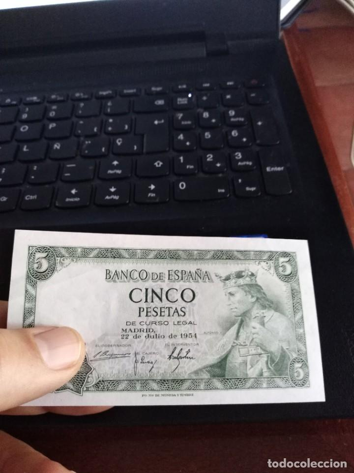 Billetes españoles: BILLETE DE 5 PESETAS EMISIÓN 22 JULIO 1954 SERIE P SIN CIRCULAR - Foto 3 - 195447781