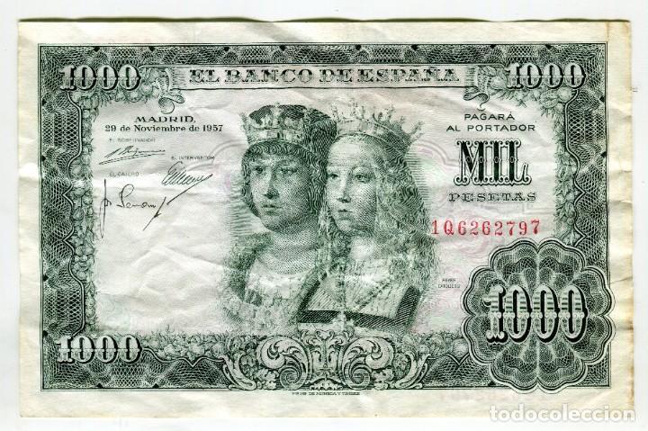 Billetes españoles: 1000 (MIL) PESETAS REYES CATOLICOS MADRID 29 DE NOVIEMBRE DE 1957 - Foto 2 - 200400052