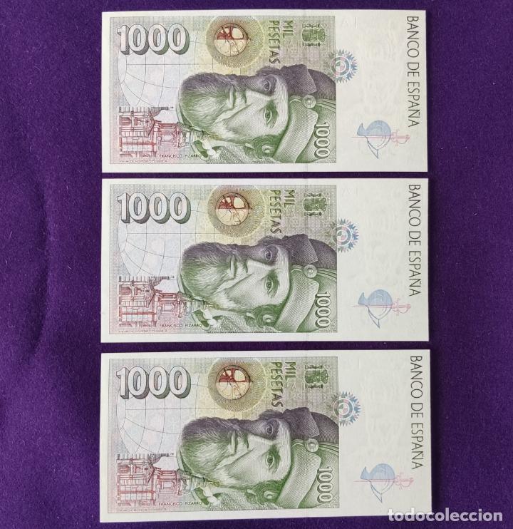 Billetes españoles: 3 BILLETES ORIGINALES DE 1000 PESETAS. 1992. SIN CIRCULAR. PLANCHA. SERIE D. TRIO CORRELATIVO. - Foto 2 - 208062555