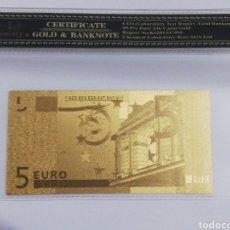 Billetes españoles: BILLETE 5 EUROS EN LAMINA DORADA CON FUNDA. Lote 237525555