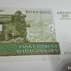 Billetes extranjeros: 255-BILLETE 200 ARIARY AÑO 2004 DE MADAGASCAR, ESTADO PLANCHA. Lote 195328383