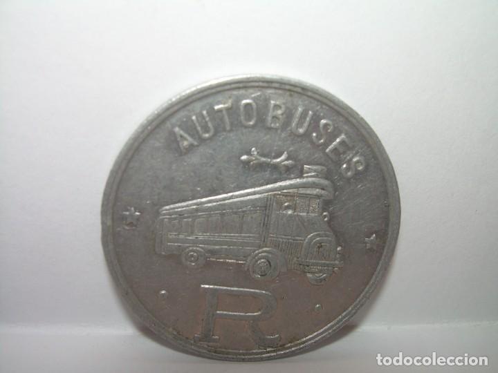 FICHA DINERARIA DE ALUMINIO....AUTOBUSES..R...20 C. (Numismática - Notafilia - Billetes Locales)