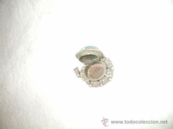 Joyeria: Antiguo colgante en plata con interior para pastillero o guardapelo - Foto 2 - 35290864