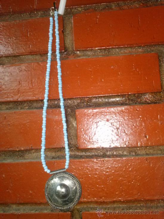 Joyeria: Collar de pequeñas turquesas con medallón en el extremo. 25,5 cms. - Foto 3 - 33798781