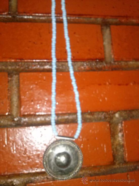 Joyeria: Collar de pequeñas turquesas con medallón en el extremo. 25,5 cms. - Foto 5 - 33798781
