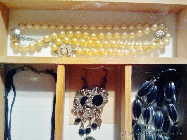 Joyeria: Lote de bisutería antigua. Consta de 4 collares y 2 pendientes de diferentes materiales. - Foto 3 - 39911010