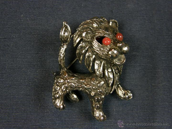 Joyeria: broche en forma de león metal plateado decoración flores en el cuerpo ojos vidrio rojo años 50 - Foto 8 - 40921368