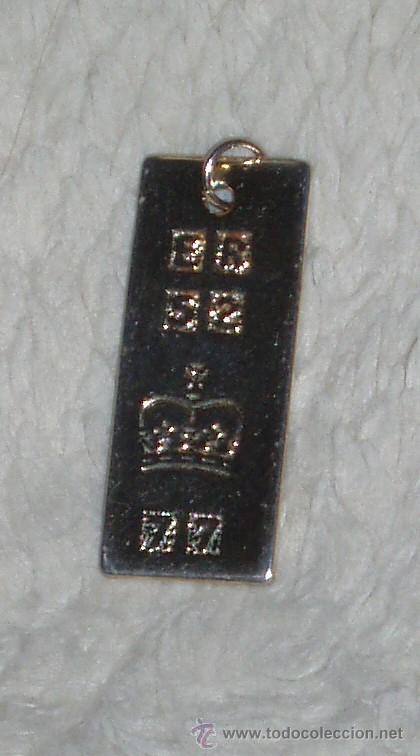 Joyeria: Plaquita dorada conmemorativa del jubileo de plata de la reina de Inglaterra. Años 70. - Foto 3 - 46483304
