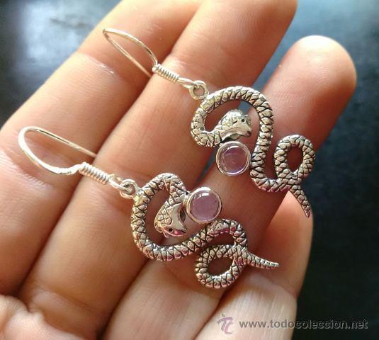 pendientes en forma de serpiente