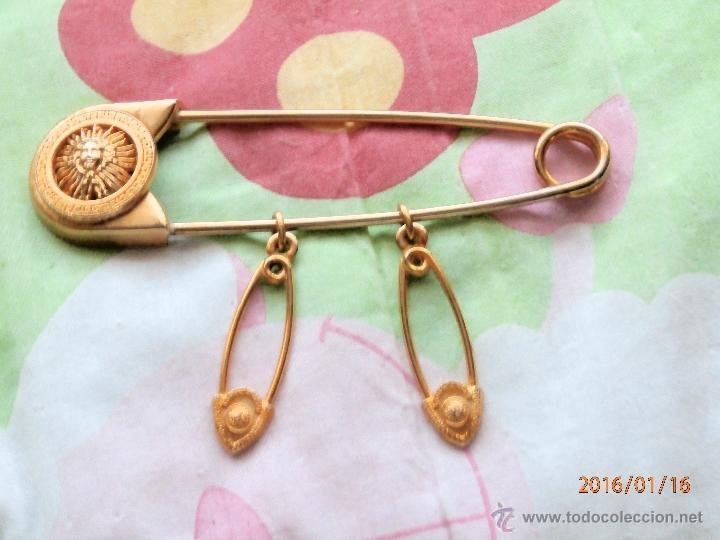 9cb4b7f47b5b Antiguo gran broche prendedor dorado  medusa  d - Vendido en Subasta ...