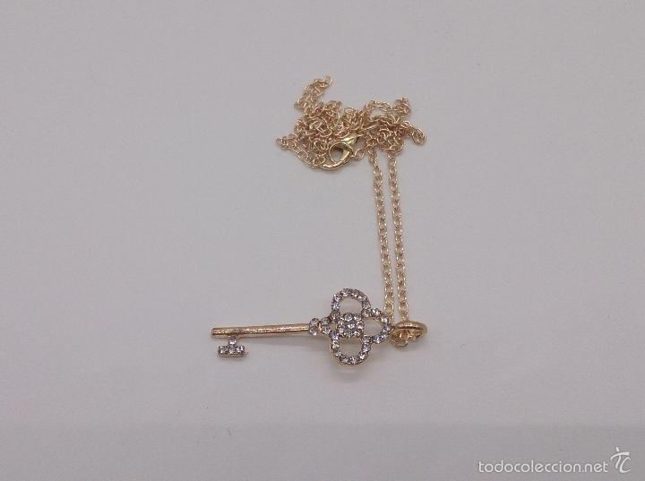 Joyeria: Gargantilla con colgante en forma de llave, baño en oro y circonitas . - Foto 3 - 85360231