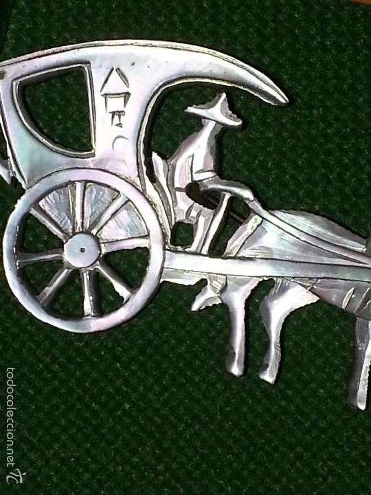 Joyeria: broche de nácar madreperla calado precioso coche de caballo - Foto 2 - 56172707