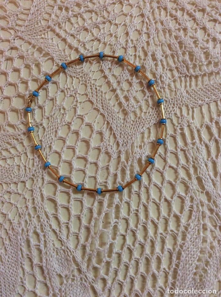 Joyeria: Juego de gargantilla y pulsera de metal dorado con cuentas azules - Foto 3 - 65865614