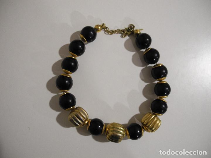 80a28579ef8c collar de bolas negras y adornos dorados. bisut - Comprar Bisuteria ...